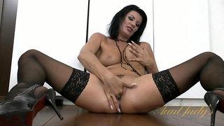 Celine Noiret fingers her wet vagina