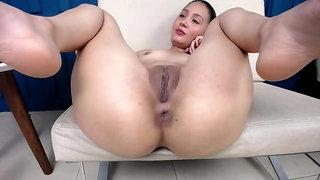 Colombian Girl Swietcherryx Spreading Her Legs