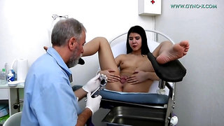Lady Dee in Experienced Doctor Checks The Holes Of A Czech Asian Teen Girl