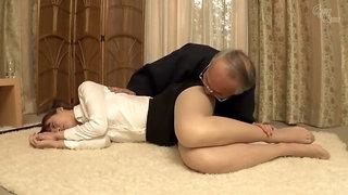 Seductive Japanese hussy